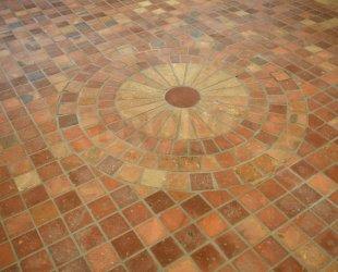 realizacja podłoga cegła cieta wodna